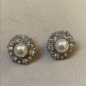 Pearl with rhinestone halo earrings